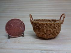 Dollhouse Miniature wicker basket with wood 1:12 for dollhouse, Miniature wicker, Miniature backet