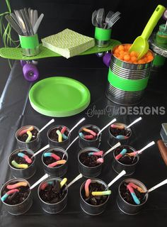 sugartotdesigns: Teenage Mutant Ninja Turtle Party- chocolate pudding in cans with crushed Oreos and a gummy worm on top(Chocolate Pudding Dirt) Turtle Birthday Parties, Ninja Turtle Birthday, Ninja Turtle Party, Ninja Turtles, Birthday Ideas, 5th Birthday, Surprise Birthday, Happy Birthday, Mutant Ninja