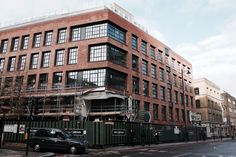 Dexter Moren Associates led the architectural design of The Curtain hotel and private members club, Shoreditch, for hotelier Michael Achenbaum of Gansevoort Hotel Group Hotel Architecture, Architecture Design, Crittall Windows, Gansevoort Hotel, Brick Loft, Hotel Branding, Brick Facade, Brick Building, Red Bricks