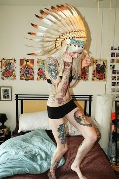 this girl is freakin skinny. Indian headdress is amazing. I want this type of indian head-dress c: Tattoo Girls, Girl Tattoos, Tatoos, Thigh Tattoos, Body Tattoos, Woman Tattoos, Sweet Tattoos, Dream Tattoos, 16 Tattoo