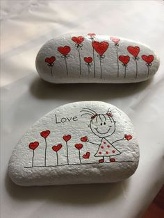 Looking for some easy painted rock ideas to get inspired by? See more ideas about Rock crafts, Painted rocks and Stone crafts. Rock Painting Patterns, Rock Painting Ideas Easy, Rock Painting Designs, Paint Designs, Rock Painting Kids, Pebble Painting, Pebble Art, Stone Painting, Painting Art