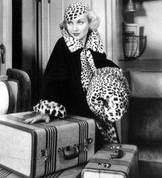 Carole Lombard in Twentieth Century Golden Age Of Hollywood, Hollywood Glamour, Old Hollywood, Hollywood Icons, Hollywood Fashion, Hollywood Stars, Hollywood Actresses, Classic Hollywood, Vintage Glamour