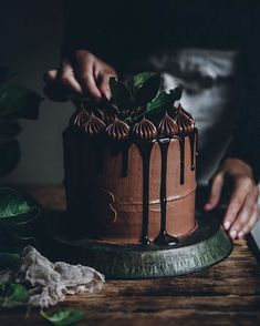 Definitely wouldn't mind a slice of this chocolate cake today 🙌🏼 Although I do have an apple and pear galette in the fridge, not too shabby either 🤔 Hope you're having a great Tuesday! Cupcakes, Cupcake Cakes, Churros, Call Me Cupcake, Chocolate Drip Cake, Cakes Today, Cake Photography, Dessert Decoration, Drip Cakes