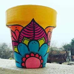 Clay Flower Pots, Painted Flower Pots, Pottery Painting Designs, Paint Designs, Painted Jars, Hand Painted, Diy Projects For Adults, Auction Projects, Christmas Gifts For Friends