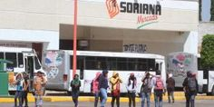Normalistas bloquean plazas comerciales en Oaxaca