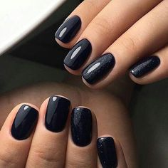 Trendy Stiletto Nails Designs im Frühjahr Fall Nails fall gel nails ideas Black Nails With Glitter, Black Manicure, Black Acrylic Nails, Black Coffin Nails, Black Nail Art, Manicure Colors, Manicure Ideas, Stiletto Nails, Matte Black