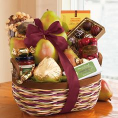 Harry & David Crater Lake Gift Basket Classic -brimming with juicy pears, caramel Moose Munch snack, cheese, crackers, Pepper and Onion Relish and more! Gift Baskets For Men, Themed Gift Baskets, Wine Gift Baskets, Christmas Gift Baskets, Raffle Baskets, Homemade Christmas Gifts, Snack Gift Basket, Silent Auction Baskets, Fruit Gifts