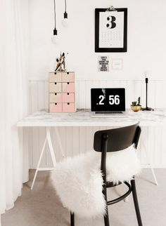 One clever DIY-er gave an IKEA trestle desk, made with Lerberg legs and a Linnmon tabletop a luxe makeover by cover the top with marble-printed contact paper (available in hardware stores or online). Fooled us! 16 Astoundingly Chic IKEA Hacks via Murphy-bett Ikea, Ikea Desk, Diy Desk, Ikea Linnmon Desk, Ikea Table, Ikea Hacks, Desk Hacks, Hacks Diy, Diy Marble