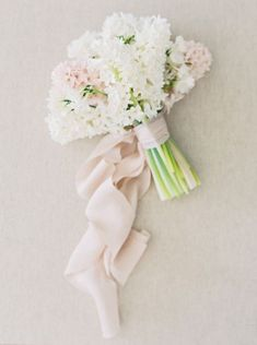 A fresh, simple bouquet with the prettiest color combination