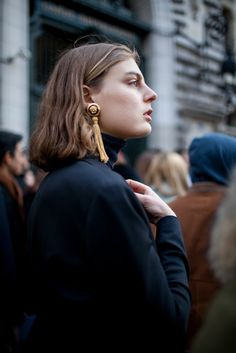 【スナップ】トレンドが一堂に会した4大コレクションの総決算! 2016-17年秋冬パリ・ファッション・ウイーク ストリートスナップ(235枚) 1 / 230