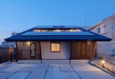 日本人に息づく【和】の心。昔ながら日本様式と、欧米の住宅スタイルを掛け合わせた現代の住まいの形、それが【和モダン】です。 自然の素材を活かした落ち着いたトーンが、日々の疲れをそっと優しく包み込んでくれるかのような佇まい。和モダンで叶う、柔らかな生活。あなたの毎日にも、和モダン、取り入れてみてはいかがでしょうか。
