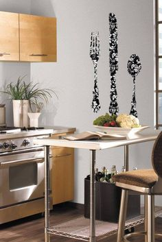 Locul tacamurilor este in bucatarie! Kitchen Wallpaper, Kitchen Cart, Nashville, Table, Room, Emoticon, Furniture, Scene, Design