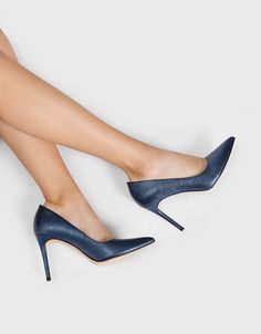 08ae06839 54 Best Shoes images in 2019