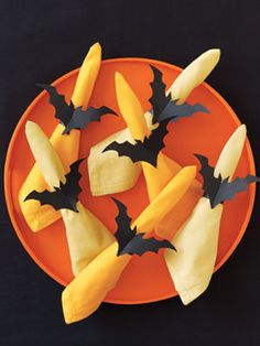 Halloween Craft How-to: Bat Napkin Rings
