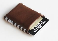 Cowman 2.0 - Slim leather wallet / elastic card holder by TGT (Tight)