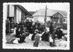 Bratislava, Slovakia, Jews with their belongings, awaiting deportation. Bratislava Slovakia, Never Again, Persecution, Camps, Jerusalem, Old Photos, Ww2, Nerdy, Museum