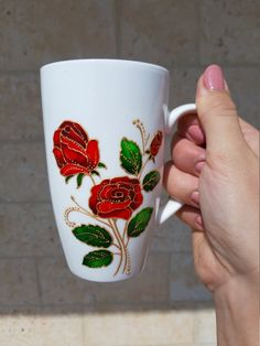 Coffee mug handmade with roses - mom gift from daughter Glass Painting Patterns, Glass Painting Designs, Painted Coffee Mugs, Hand Painted Mugs, Presents For Mom, Gifts For Mom, Modern Mugs, Glass Bottle Crafts, Glass Bottles