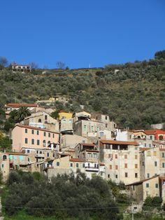 Isolalunga, Frazione di Dolcedo (IM), centro storico