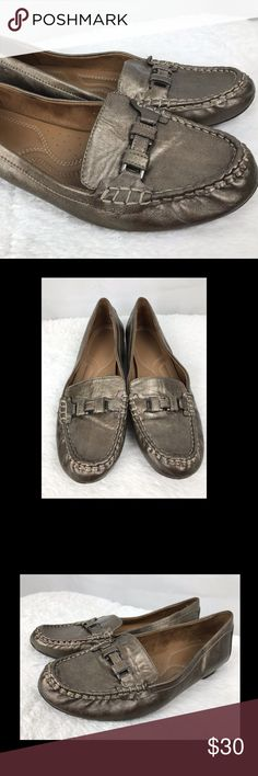 NATURALIZER Driving Moccasin Loafers 11 Brown Shoe Naturalizer Driving Moccasin  Driving Loafer Slip On Shoe  Brown Pewter Metallic  Buckle Toe  Womens 11  Good gently pre-owned condition Naturalizer Shoes Moccasins