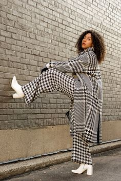 A Houndstooth Outfit Idea to Brighten Up Your Winter Blues, style tips and tricks fashion ideas, black fashion blogger style outfits, latest fashion trends for women what to wear, work clothes women professional office style