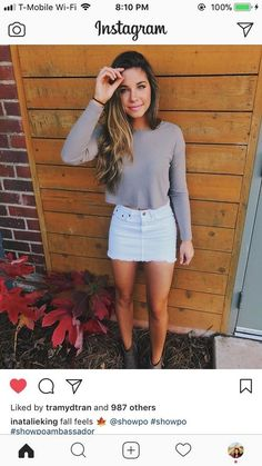 Catchy Spring Outfits To Inspire Yourself woman wearing gray long-sleeved shirt and white denim skirt. Denim Skirt Outfits, Casual Outfits, Cute Outfits, Denim Skirt Outfit Winter, Teenager Outfits, Fall Winter Outfits, Spring Outfits, Rainy Day Outfits, Casual Winter