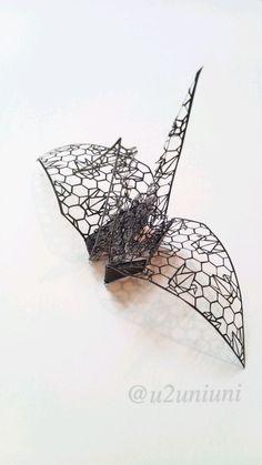 【立体切り絵】折り鶴柄の折り鶴 #切り絵 http://t.co/RI7TYuBBNb