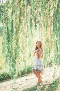 Best ideas for weeping willow tree quotes Cute Senior Pictures, Girl Pictures, Senior Photos, Cheer Pictures, Maternity Pictures, Tree Photography, Senior Photography, Portrait Photography, Outdoor Photography