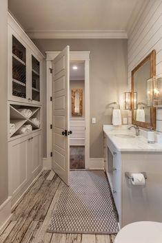 cambio de casa Elegant Farmhouse Bathroom Wall Color Ideas How Different Types Of Water Filters Bathroom Renos, Bathroom Interior, Modern Bathroom, Master Bathroom, Bathroom Ideas, Bathroom Cabinets, Bathroom Closet, Kitchen Cabinets, Bathroom Makeovers