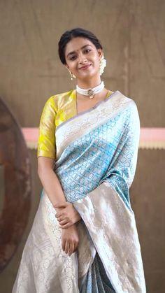 New Saree Designs, Wedding Saree Blouse Designs, Stylish Blouse Design, Fancy Blouse Designs, Bollywood Wedding, Bollywood Saree, Saree Wedding, Bollywood Fashion, Indian Dresses Traditional