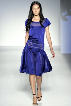 Alberta Ferretti Spring 2012 Ready-to-Wear Fashion Show - Jia Jing