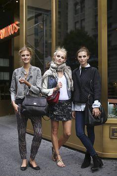 Constance Jablonski, Ginta Lapina and Karlina Caune - Models Off Duty Fashion Moda, Girl Fashion, Fashion Looks, Style Fashion, Fashion Ideas, Casual Chic, Model Street Style, Models Off Duty, Friends Fashion