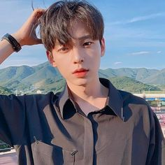 Heyaaaa I'm Seungwoo! 18 years old! Birthday is October 11, 2000! Bisexual lolol  I like everything and maybe even you 😉 I dislike.. RUDE…