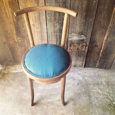 Picture of Pretty Little Mundus Chair
