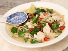 Thaise noedelsoep met kokosmelk, kip en shitakes