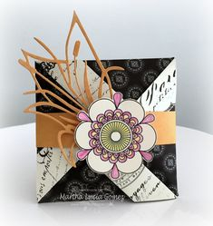 Hi everyone! Martha Lucia here with a Fun Fold Card to share with you. I decided to make this because we have a wonderful double faces papers and with this style we can show both faces at the same time. This model of card is called a Pinwheel.