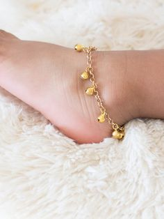 Baby Anklet with Bells Boho Baby Modern Baby by MagnificentMouse Baby Bracelet, Anklet Bracelet, Anklets, Baby Jewelry, Kids Jewelry, Fancy Dress For Kids, Kids Bracelets, Kids Earrings, Thing 1