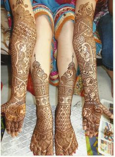 Feet/leg mehendi is nice here