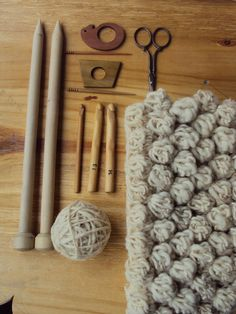 sheepishknitcrochet:  bubbles in natural wool  Crochet and Knitting porn.  Love love love.