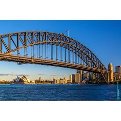 Sydney Harbour Bridge com Sydney Opera House ao fundo Sydney - New South Wales Australia. http://ift.tt/1FNQ6qL  #sydney #nsw #newsouthwales #australia #art #fineart #photography #nature #architecture #sydneyharbourbridge #sydneyoperahouse #harbour #bridge #opera #house #bay #goldenhour #sunset #engineering #mmorenofoto by mmorenofoto http://ift.tt/1NRMbNv