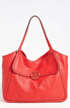 b08e290bf79d 216 Best . handbags + totebags . images