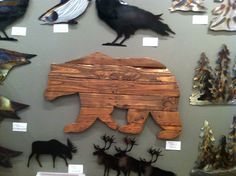 Bear carving from pallet wood