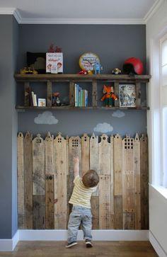 Não sabe o que fazer com as tábuas de maneira que sobraram da reforma? Reutilize na decoração do quarto das crianças! #DIY #Kids #Decoracao