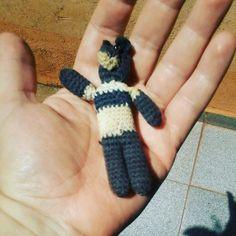 Día 52: esposo / Day 52: spouse #llavero del #lobo  animal que identifica al equipo de fútbol al que sigue esposo curupiso #wolf #keychain  with the animal that is the symbol of the soccer team that my husband follows. #crochet365 #crochet #uncinetto #ganchillo #ganxet #virka #hakeln #amigurumi #muñeco #crochetersofinstagram #instacrochet #instaamigurumi by curupisa