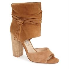 """Kristin cavalari -Chinese laundry """"Leigh"""" bootie Super cute Chinese laundry booties. Size 8.5. True to size. New and have never been worn. Paid retail so price is firm Chinese Laundry Shoes Ankle Boots & Booties"""