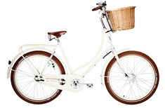I never got to have a bicycle with a basket on it as a little girl. I will be revenged! (I would spare this bike the streamers on the handles though.) Studine Classic Ballon ladies' bicycle from Velorbis. Velo Vintage, Vintage Bicycles, Bicycle Women, Ladies Bicycle, Bicycle Race, Dutch Bike, Upright Bike, Retro Bicycle, Retro Bikes