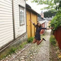 "Anette on Instagram: ""Oon ilone koska Porvoo oli niin kiva! 🏠 . . . #porvoo #roadtrip #summer @visitporvoo"""