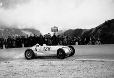Großglockner mountain race, 6 August The eventual victor, Hermann Lang (starting number with a Mercedes-Benz W 125 mountain racing car with a engine. Old Sports Cars, Old Race Cars, Mercedes Benz, Malaysian Grand Prix, Auto Union, Italian Grand Prix, Classic Race Cars, Daimler Benz, Nico Rosberg