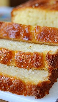 Lemon Yogurt Bread Recipe ~ Light and extremely moist, it seriously rocks. The bread itself is tender with a lemony fragrance and combined with the killer lemon and sugar glaze, it is crazy deliciou (Baking Bread Banana) Lemon Desserts, Lemon Recipes, Baking Recipes, Cake Recipes, Dessert Recipes, Quick Bread Recipes, Desserts With Greek Yogurt, Moist Bread Recipe, Coffee Bread Recipe