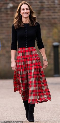 Kate Middleton looks very festive in tartan at Christmas party | Daily Mail Online