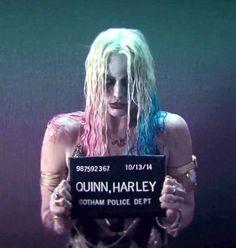 Suicide Squad – Harley Quinn's Mugshot - PintoPin Joker Y Harley Quinn, Harley Quinn Drawing, Margot Robbie Harley Quinn, Harley Quinn Cosplay, Squad Pictures, Suicide Squad, Harely Quinn, Univers Dc, Mug Shots